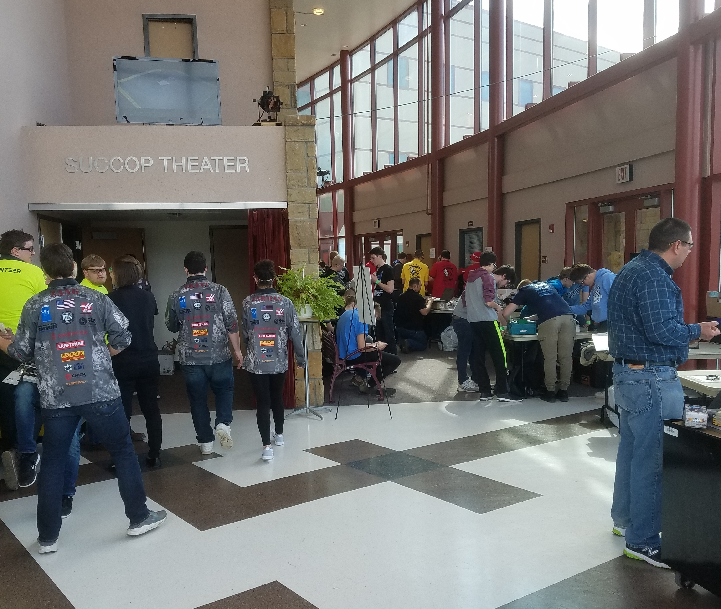Butler County Students Participate In Robot Competition