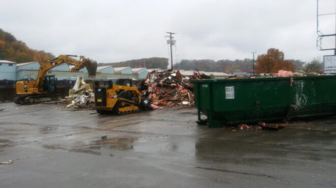 Pizza Hut On Route 8 South Demolished