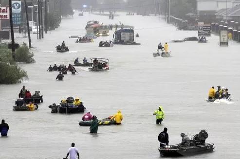 SRU Students Begin Hurricane Relief Campaign