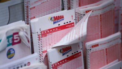 Mega Millions And Powerball Jackpots Grow