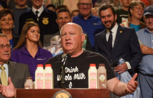 Rep. Thompson Sponsoring Bill To Help Grocery Workers